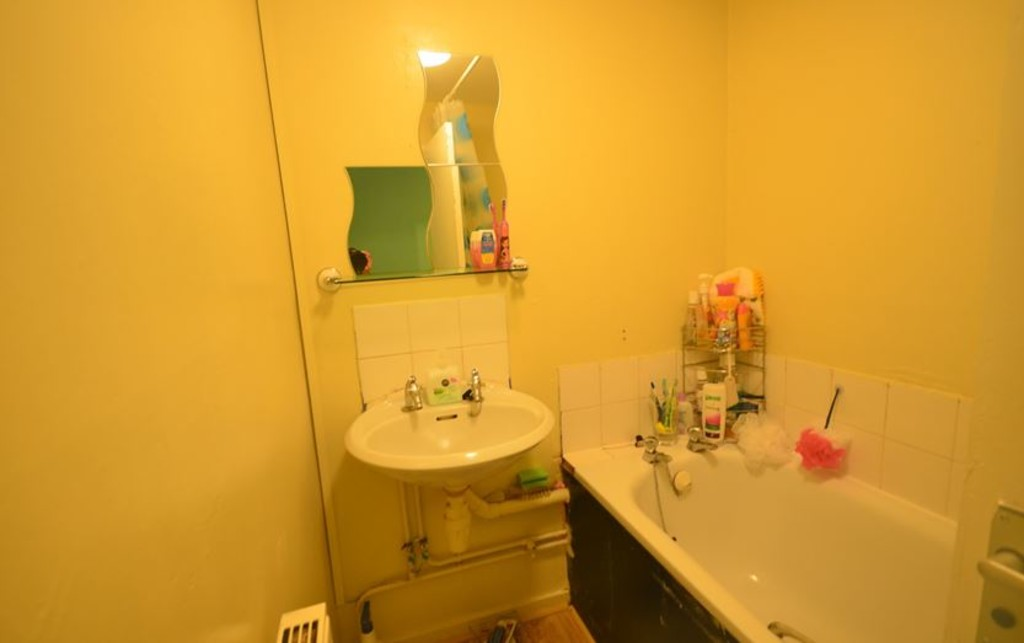 2 bed end of terrace house for sale in Pattison Walk, London 7