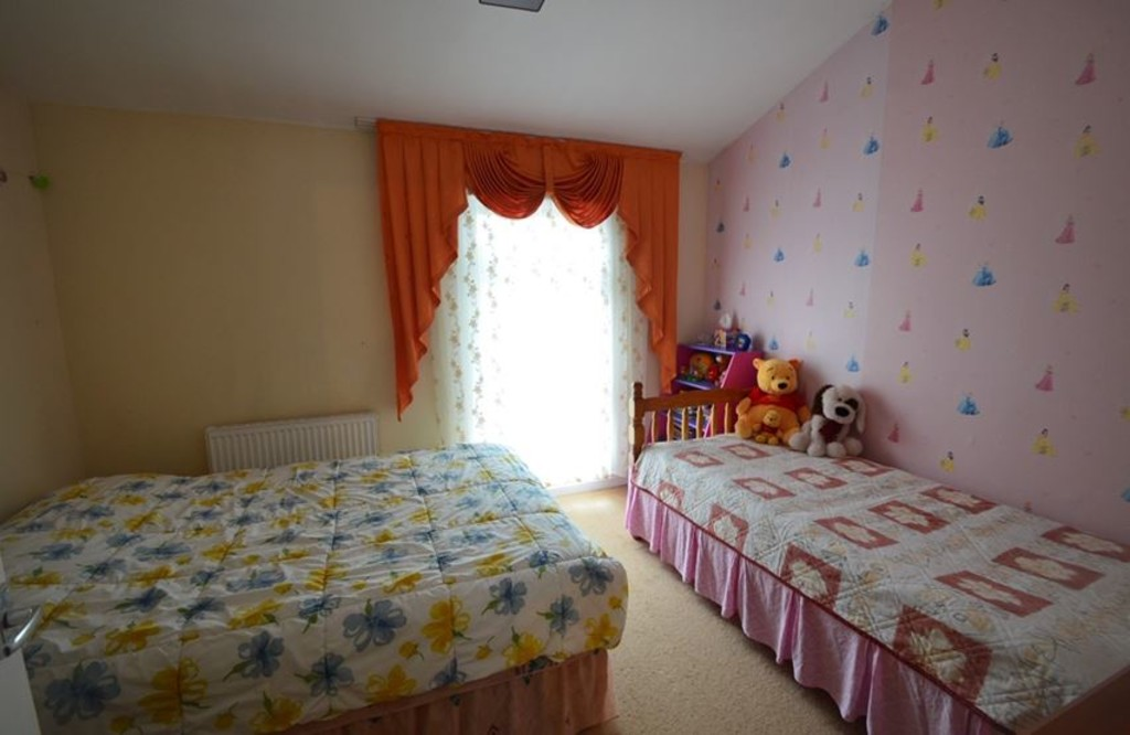 2 bed end of terrace house for sale in Pattison Walk, London 5