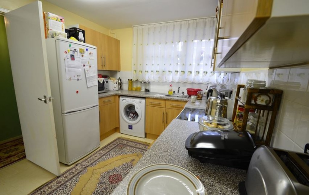 2 bed end of terrace house for sale in Pattison Walk, London  - Property Image 3