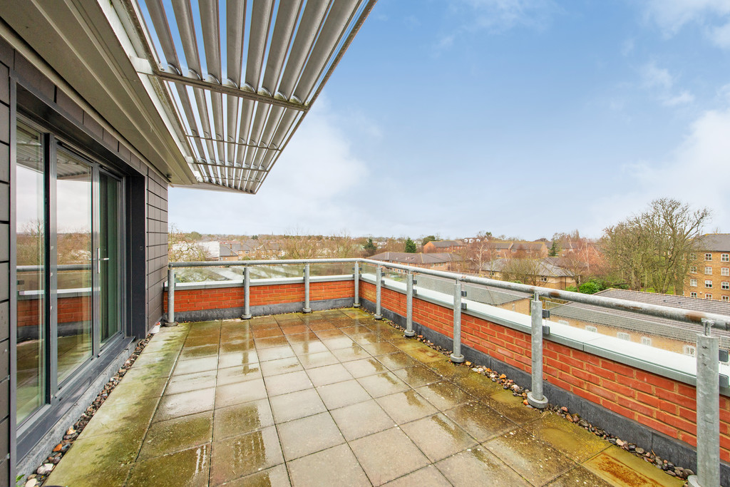 2 bed flat for sale in Birdwood Avenue, Hither Green - Property Image 1