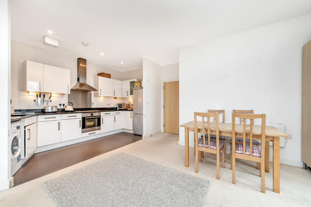 2 bed apartment for sale in Birdwood Avenue, Hither Green 13