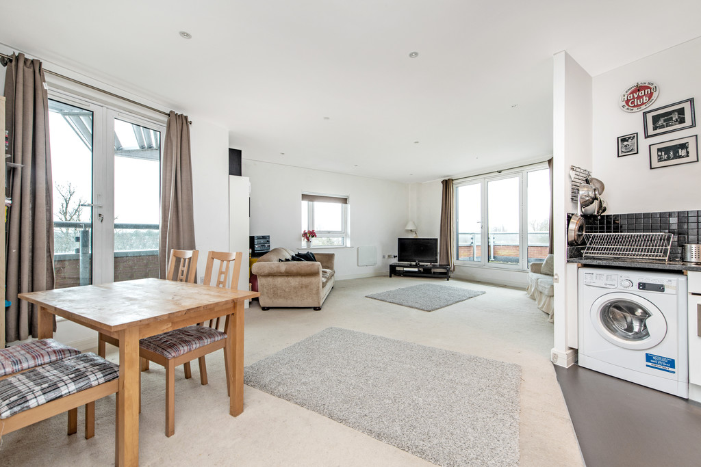 2 bed apartment for sale in Birdwood Avenue, Hither Green 15