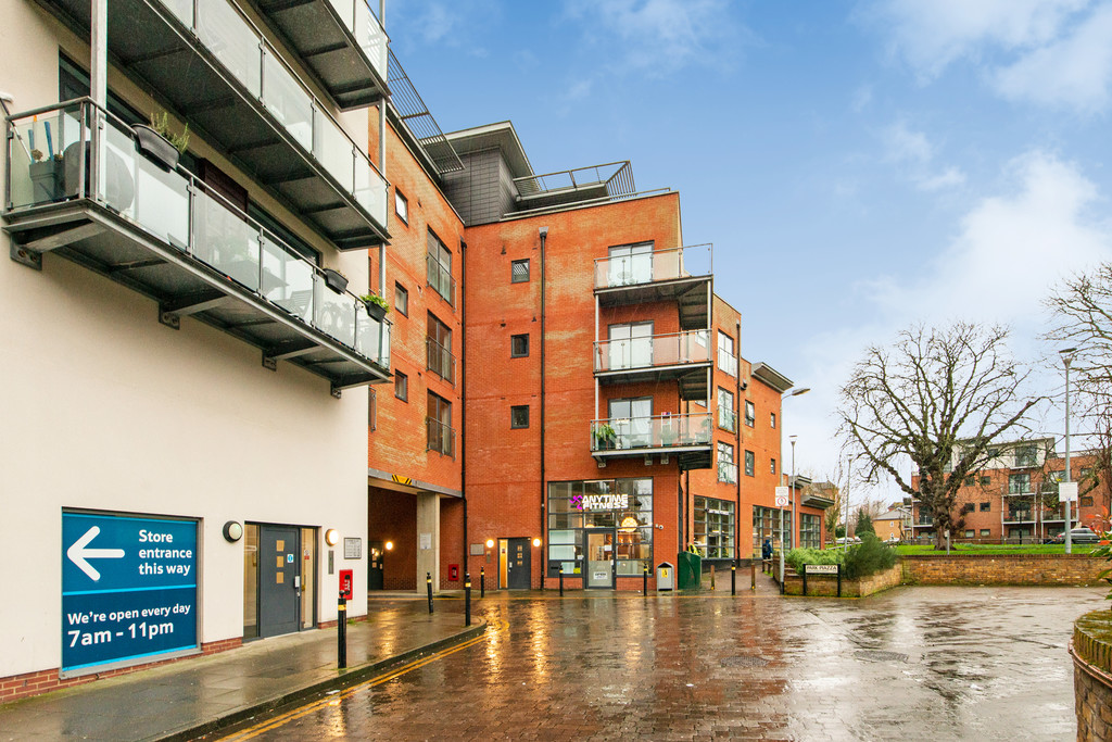 2 bed apartment for sale in Birdwood Avenue, Hither Green 14