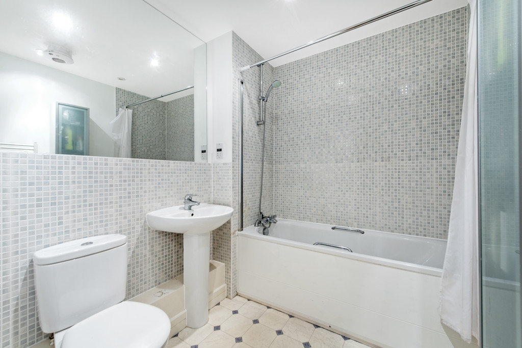 2 bed apartment for sale in Birdwood Avenue, Hither Green 9
