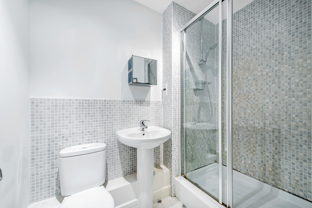2 bed apartment for sale in Birdwood Avenue, Hither Green 10