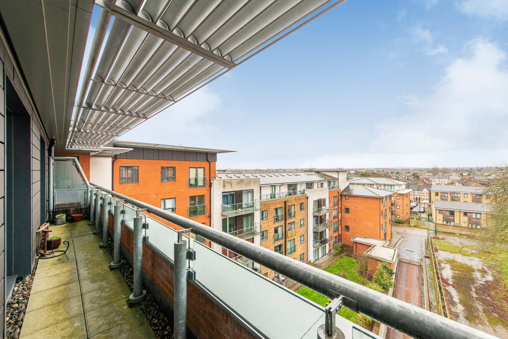 2 bed apartment for sale in Birdwood Avenue, Hither Green 11