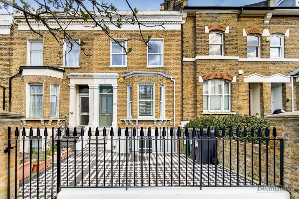 4 bed terraced house for sale in Wisteria Road, London  - Property Image 1