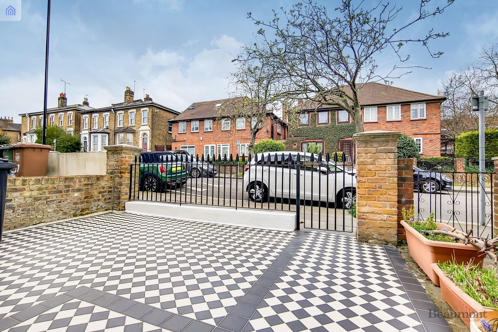 4 bed terraced house for sale in Wisteria Road, London 9