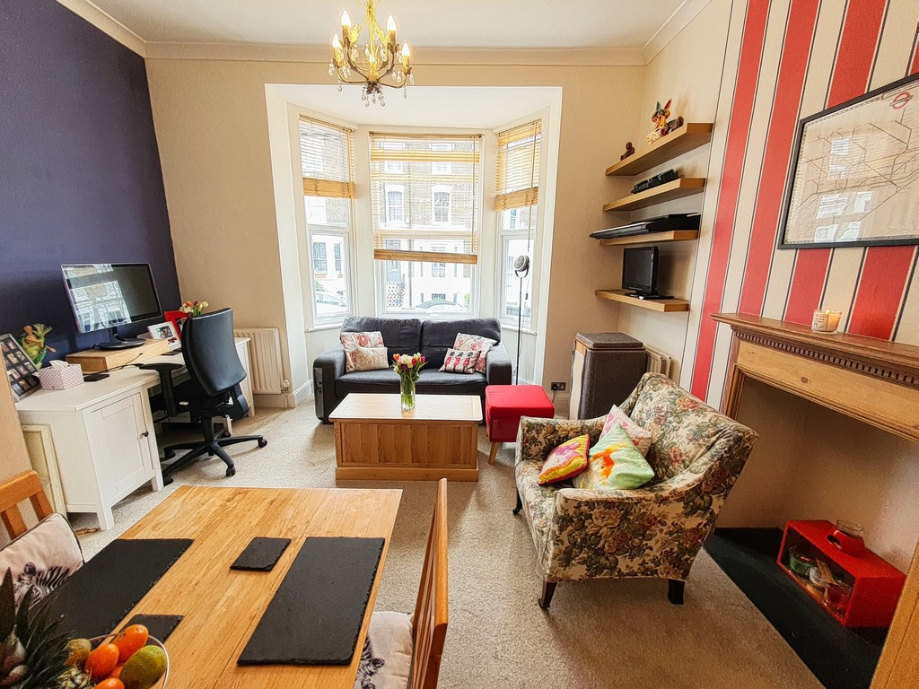 For sale. Hall Floor Victorian Conversion flat. Just off of the High Street, yet close enough to Hither Green. A smart and cosy one bedroom flat in good condition. 0.6 Mile to Lewisham Station (zone 2) and the DLR.