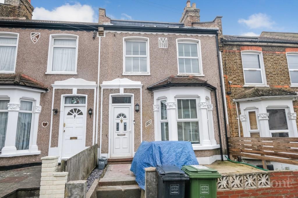 4 bed house for sale in Glenfarg Road, London - Property Image 1
