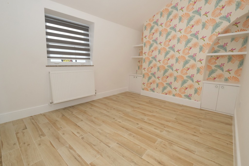 A very beautifully finished flat top floor flat. This landlord has an exceptional eye for detail and this will be one of the neatest flats you ever rent. This is a two bedroom flat with a bathroom and a shower room. Must be seen. Available now.
