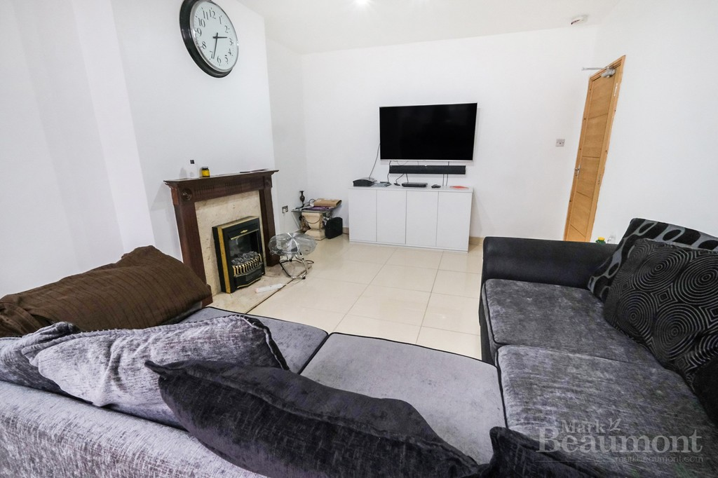 4 bed house for sale in Callander Road, London 7