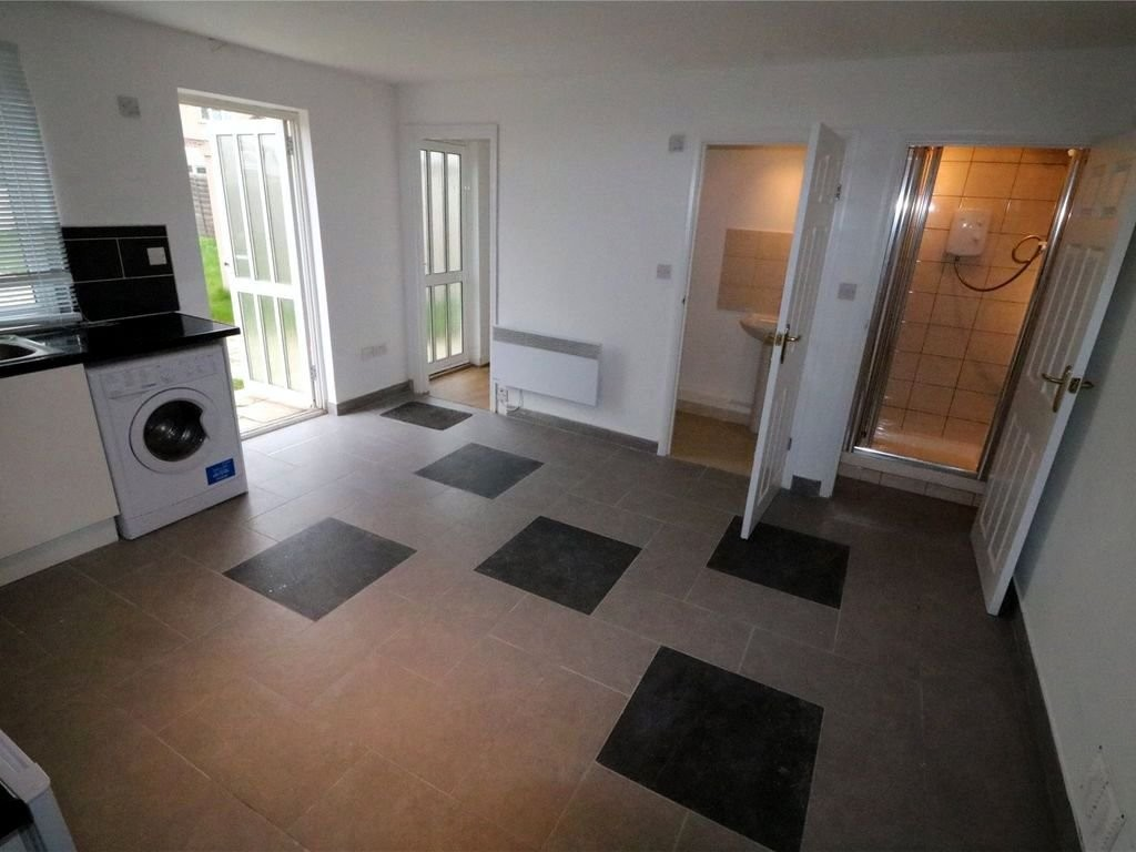 4 bed house for sale in Callander Road, London 15