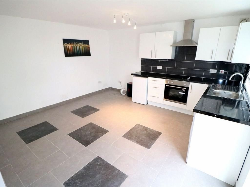 4 bed house for sale in Callander Road, London 14
