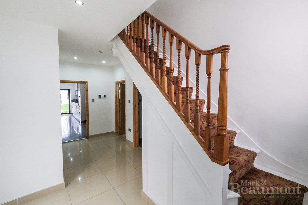 4 bed house for sale in Callander Road, London  - Property Image 5