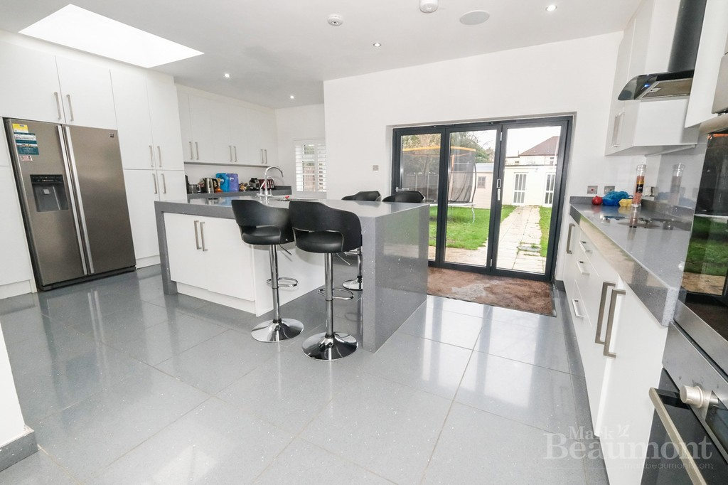 4 bed house for sale in Callander Road, London  - Property Image 2