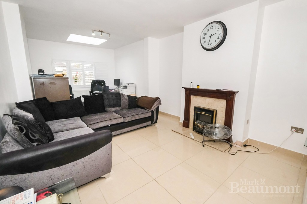 4 bed house for sale in Callander Road, London 6