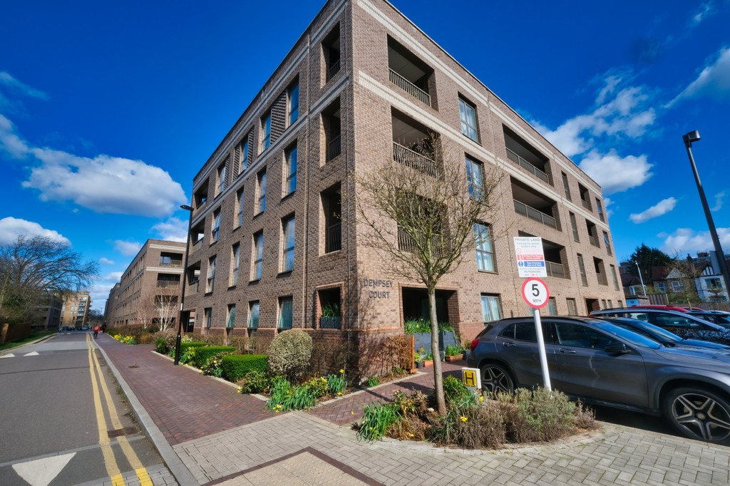 1 bed flat for sale in Adenmore Road, London, SE6