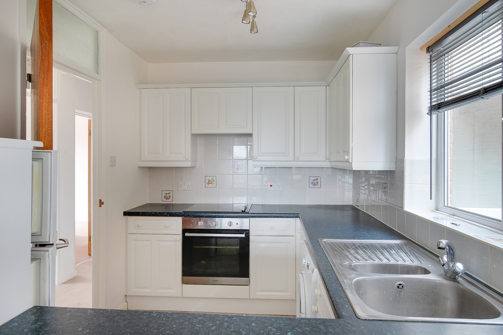2 bed apartment to rent in The Parade, Birchington, CT7 0