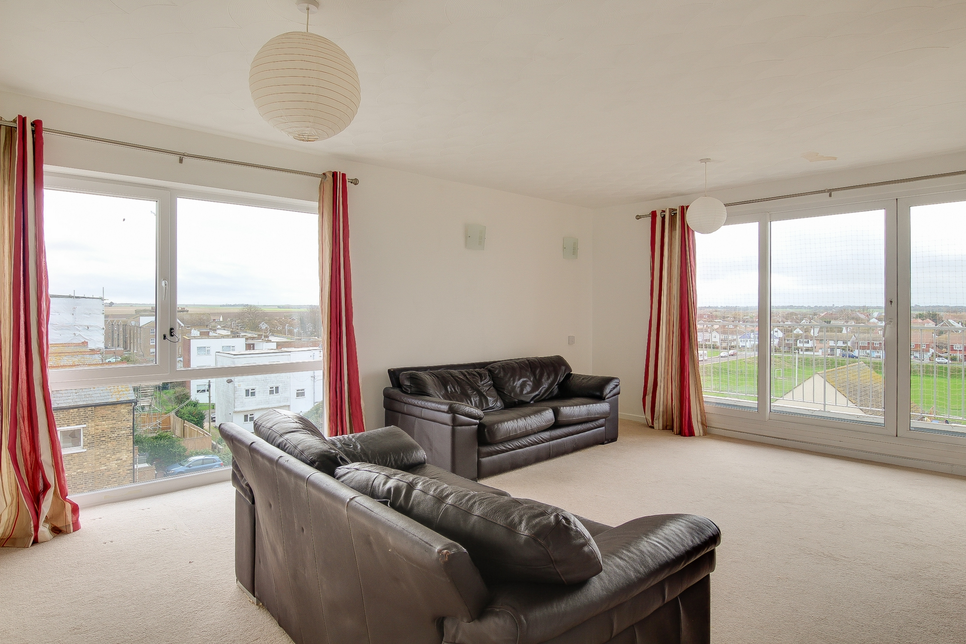 2 bed apartment to rent in The Parade, Birchington, CT7 2
