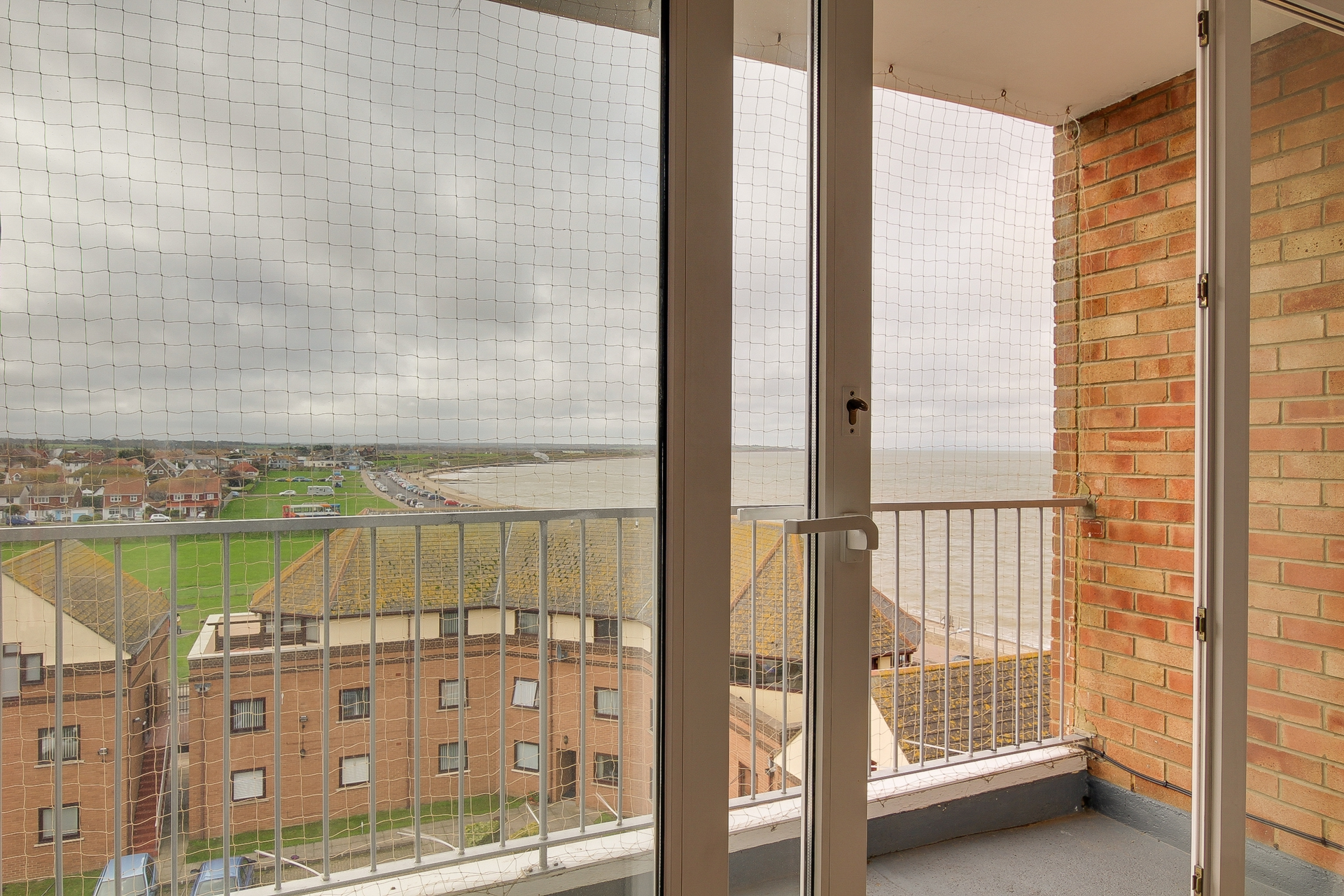 2 bed apartment to rent in The Parade, Birchington, CT7 4