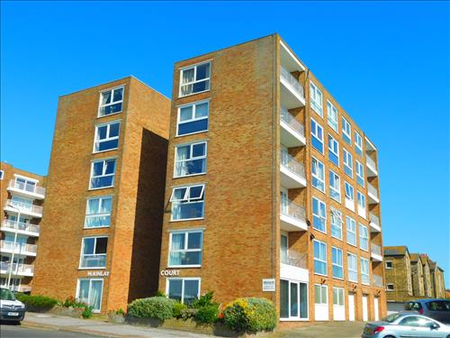 2 bed apartment to rent in The Parade, Birchington, CT7 10