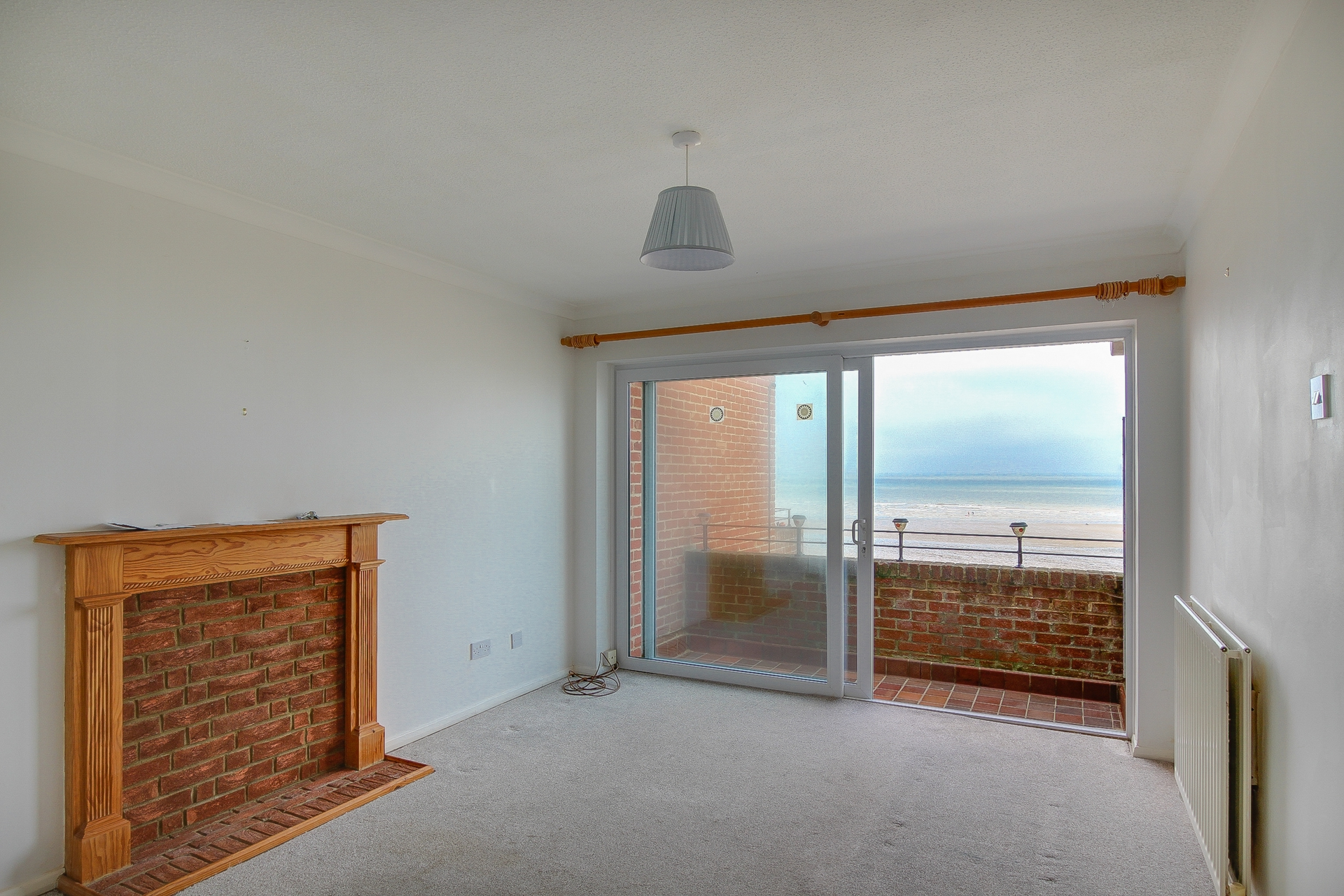 2 bed flat to rent in St Mildreds Gardens, Westgate, CT8  - Property Image 3