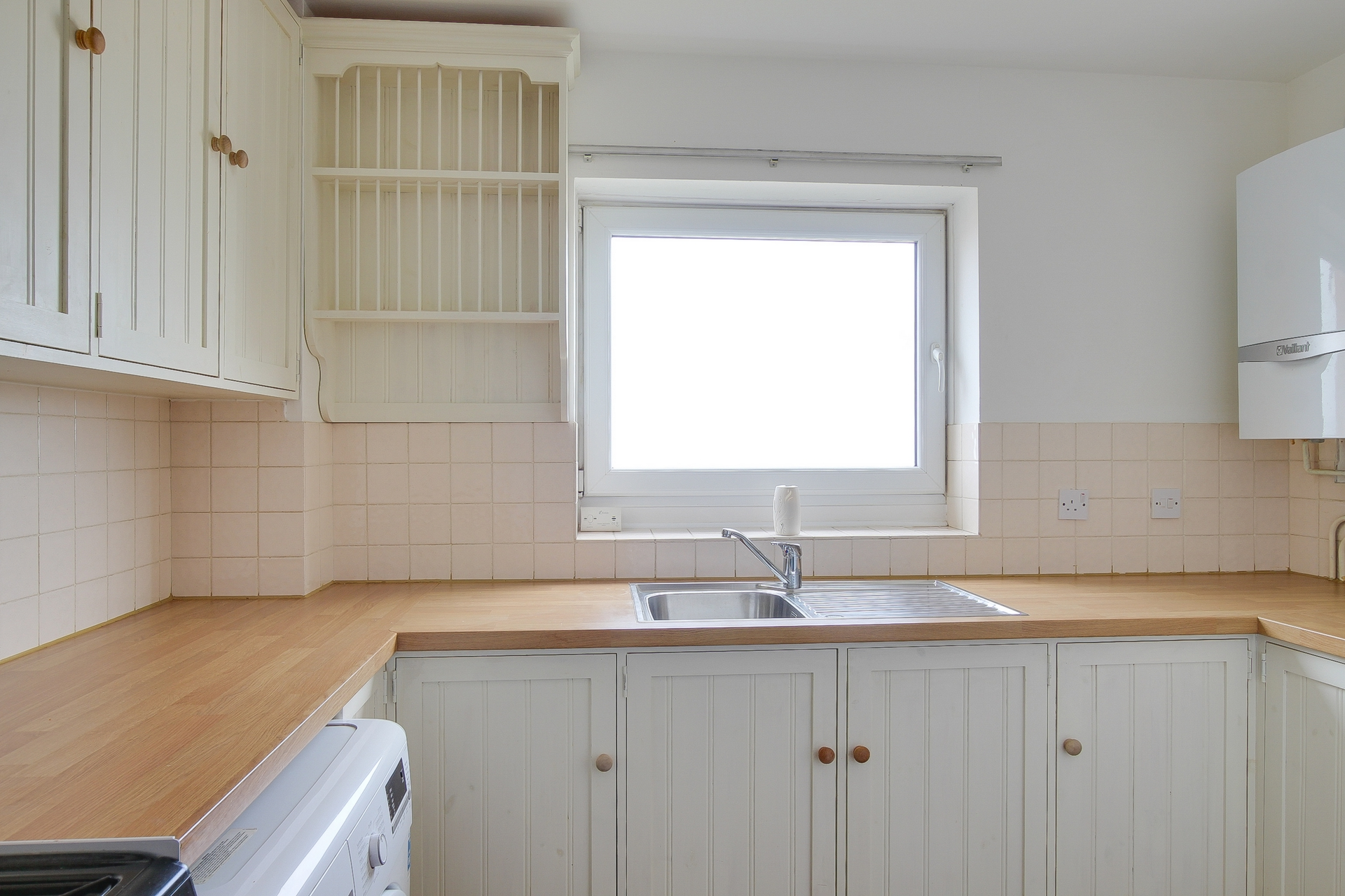 2 bed flat to rent in St Mildreds Gardens, Westgate, CT8 3
