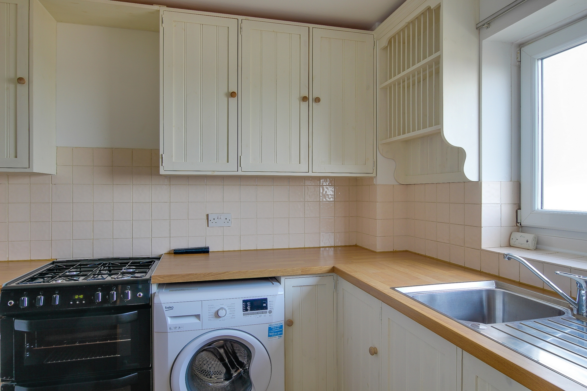 2 bed flat to rent in St Mildreds Gardens, Westgate, CT8 5