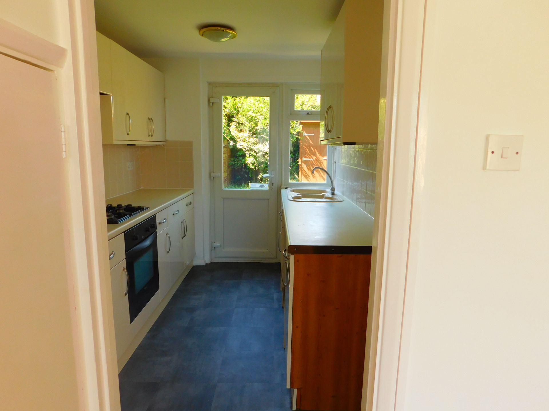 2 bed house to rent in Yew Tree Gardens, Birchington 2