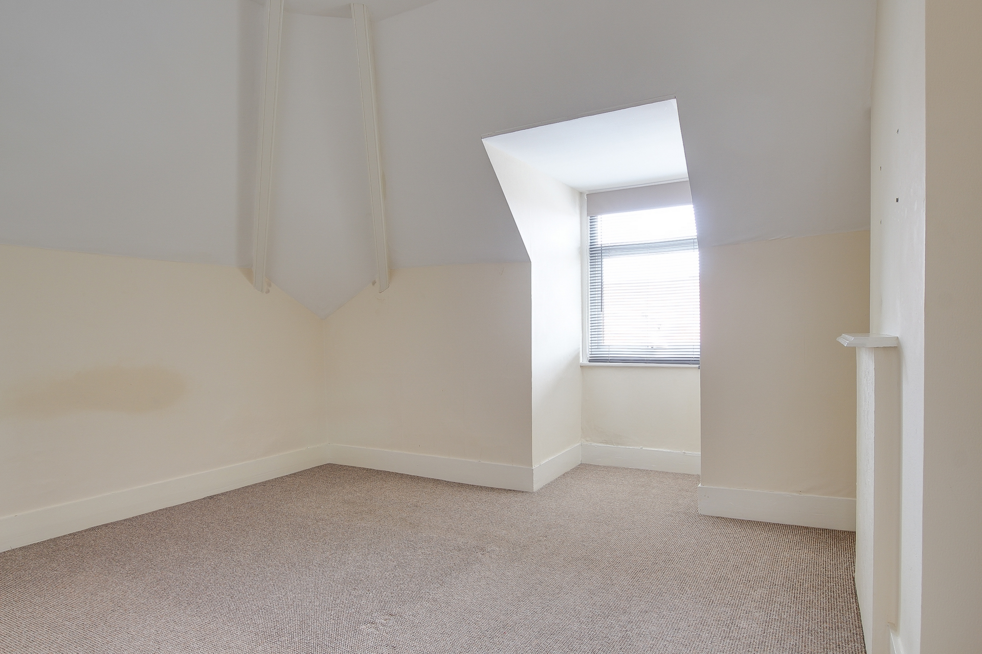 2 bed maisonette to rent in Station Road, Birchington  - Property Image 3
