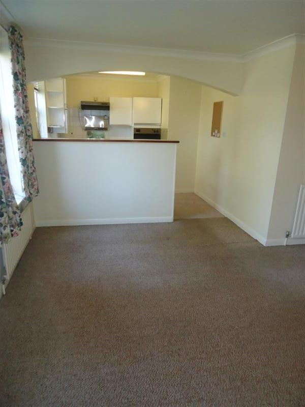 2 bed flat to rent in Canterbury Road, Birchington, CT7 0
