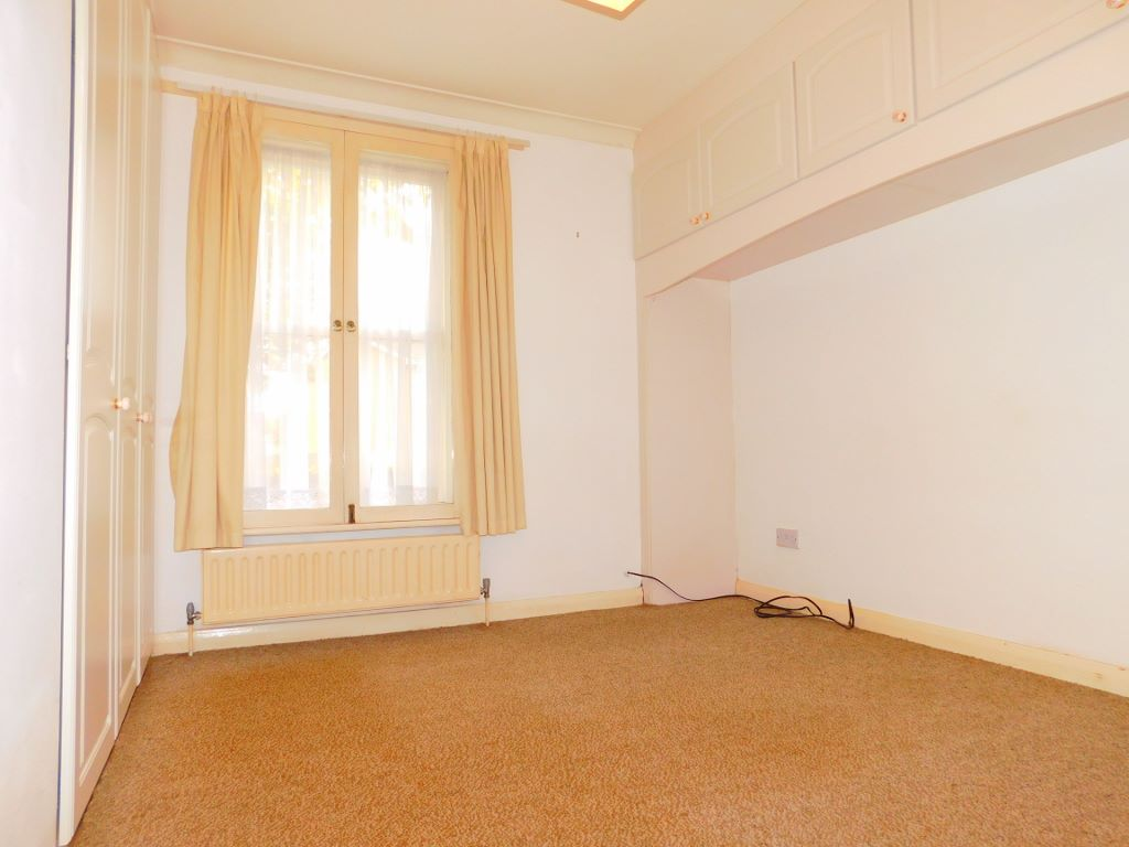 2 bed flat to rent in Canterbury Road, Birchington, CT7 1