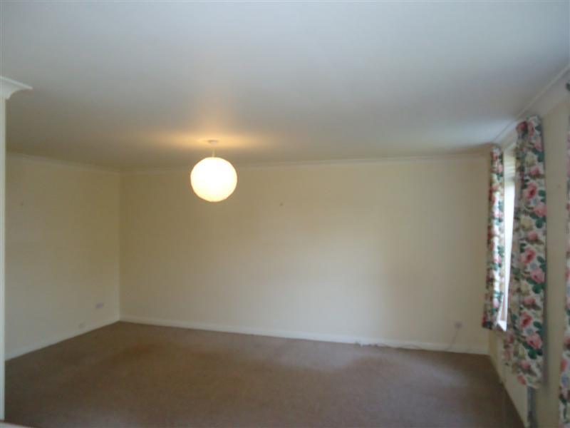 2 bed flat to rent in Canterbury Road, Birchington, CT7 2