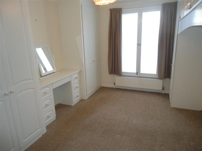 2 bed flat to rent in Canterbury Road, Birchington, CT7 4