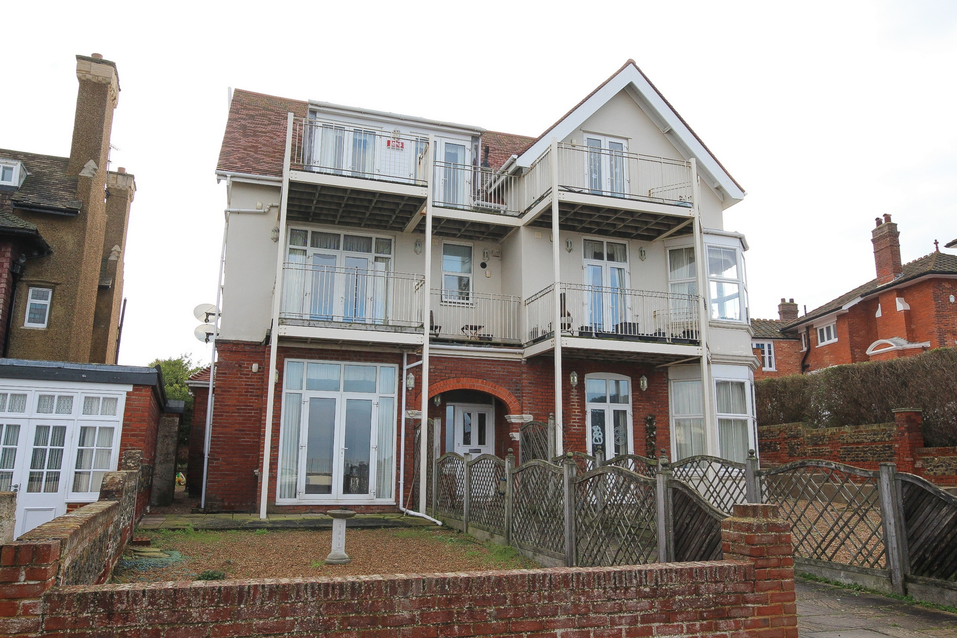 2 bed flat to rent in Sea Road, Westgate, CT8, CT8