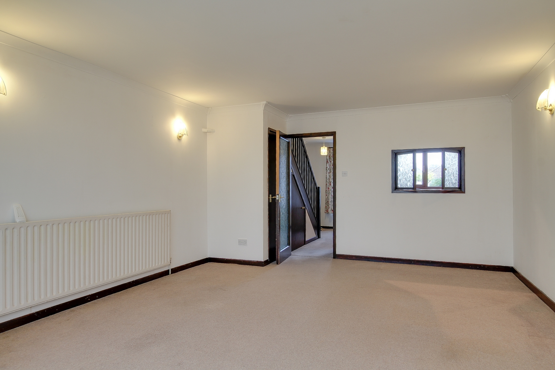 3 bed house to rent in Beach Avenue, Birchington 2