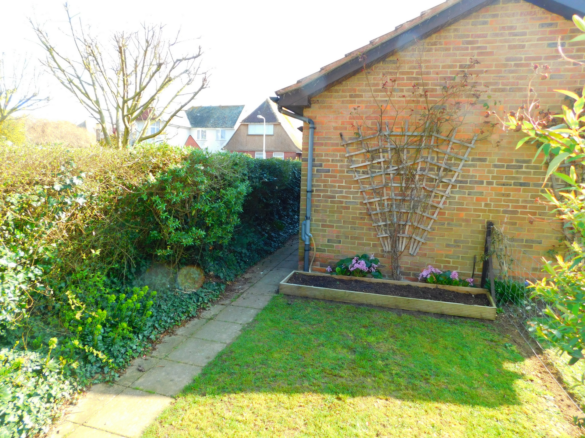 3 bed house to rent in Beach Avenue, Birchington 4