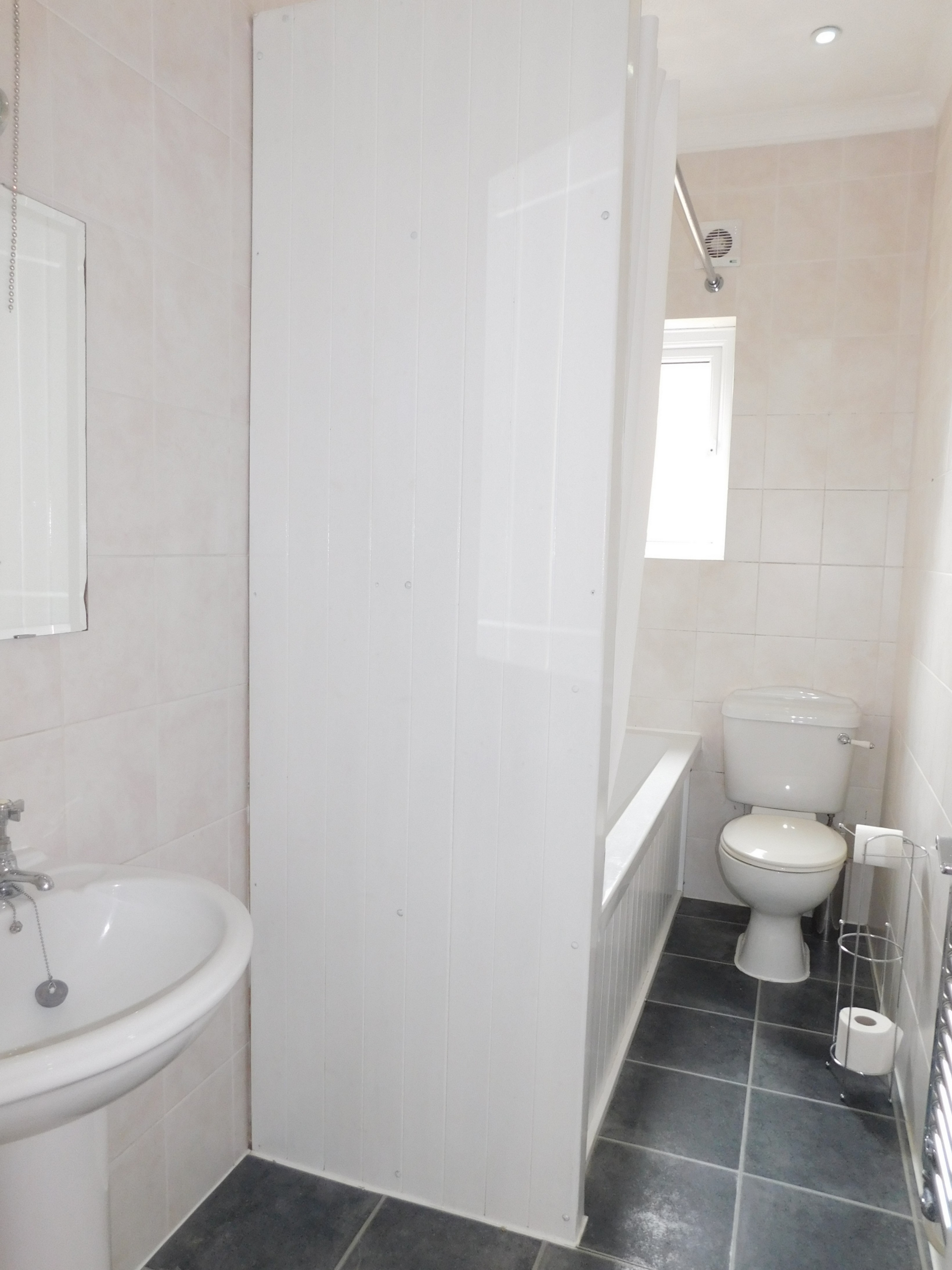 2 bed flat to rent in Westgate Bay Avenue  - Property Image 6