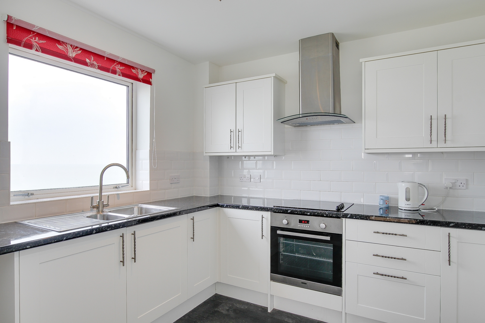 2 bed flat to rent in The Parade, Minnis Bay, CT7 5