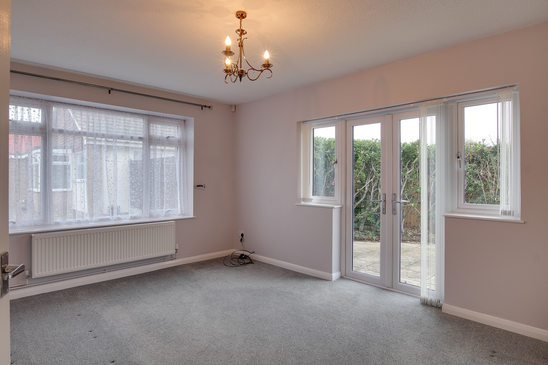 2 bed bungalow to rent in Nelson Court, Birchington, CT7  - Property Image 2