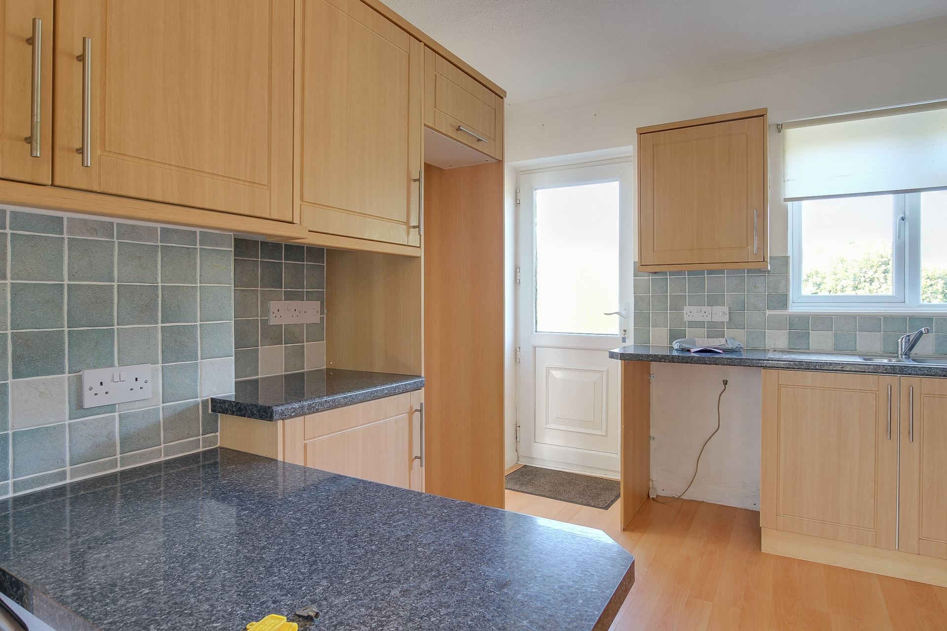 3 bed bungalow to rent in Cheesmans Close, Nr Ramsgate 1