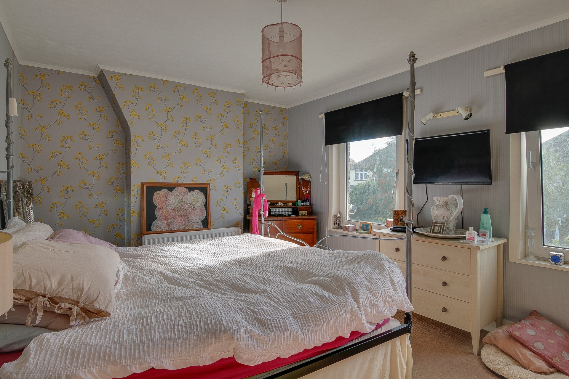 2 bed house for sale in Gordon Square, Birchington, CT7  - Property Image 1