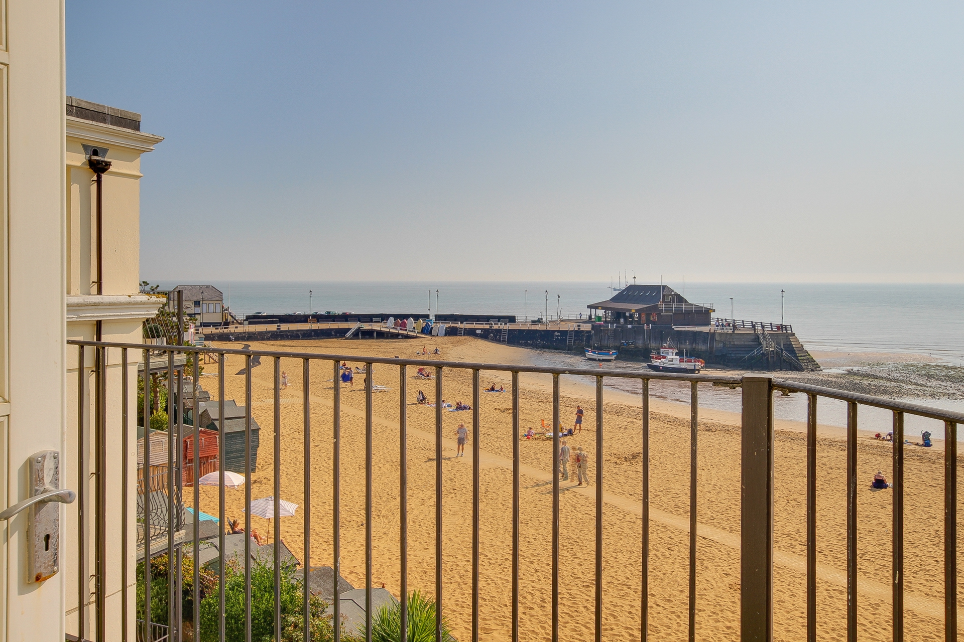 1 bed flat to rent in The Parade, Broadstairs, CT10 11