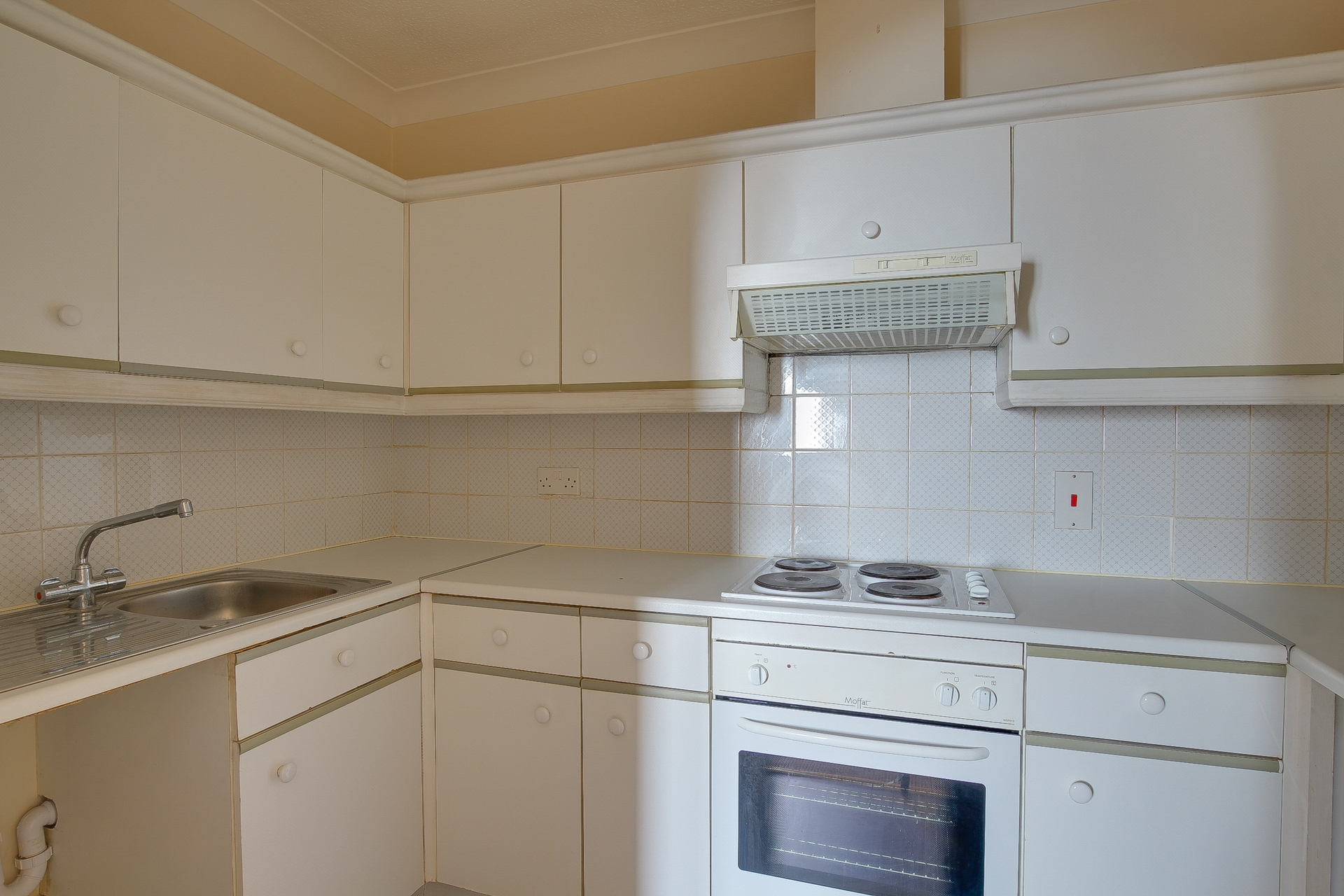 2 bed flat to rent in Victoria Road, Ramsgate, CT11 3