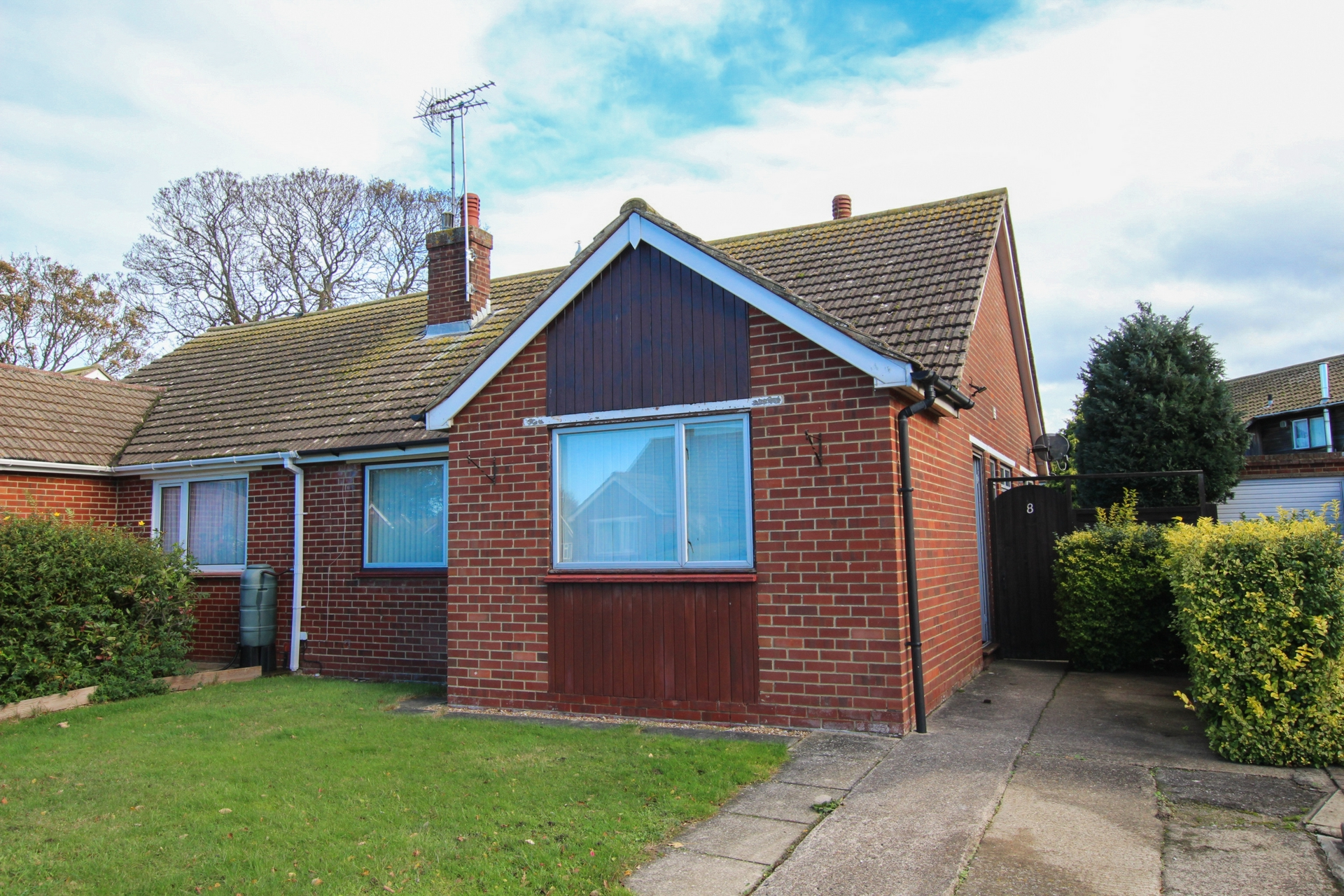2 bed bungalow to rent in Maxine Gardens, St. Peters, CT10, CT10