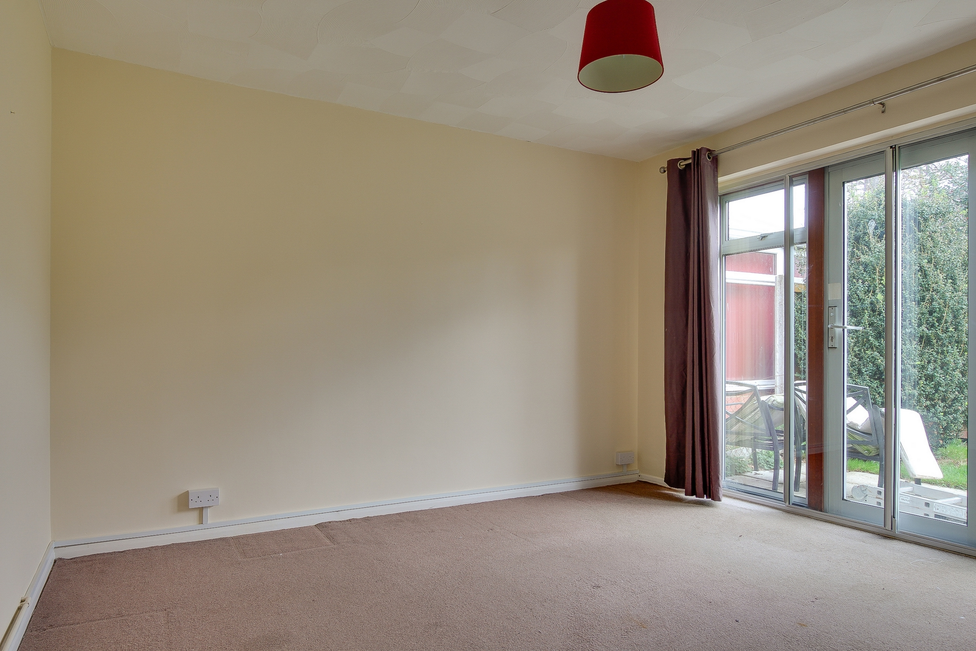 2 bed bungalow to rent in Maxine Gardens, St. Peters, CT10  - Property Image 4