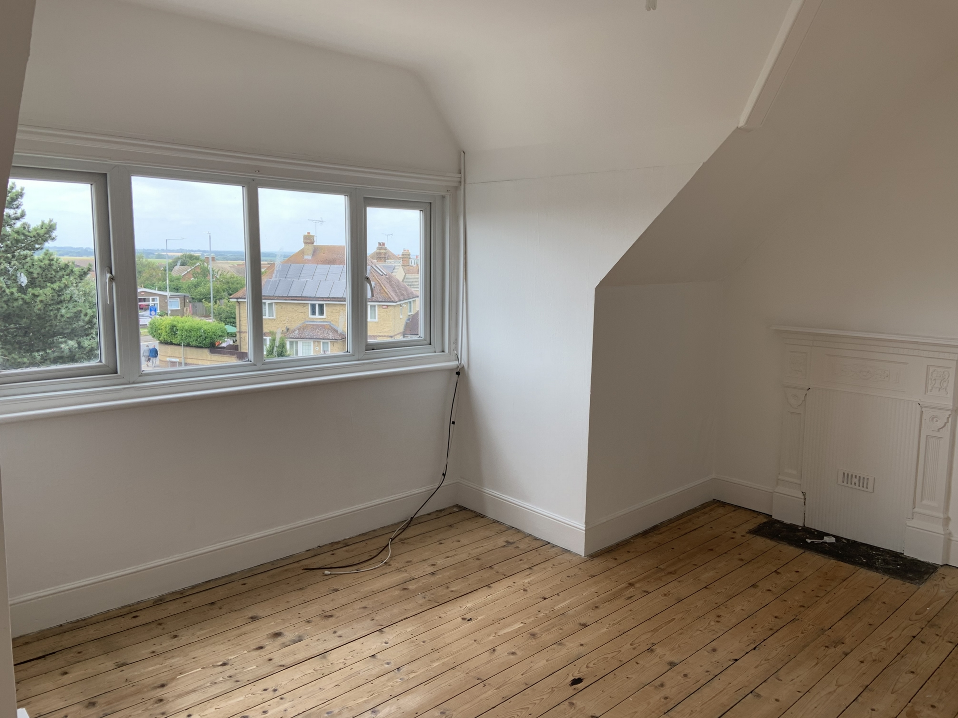 3 bed flat to rent in Station Approach, Birchington 1