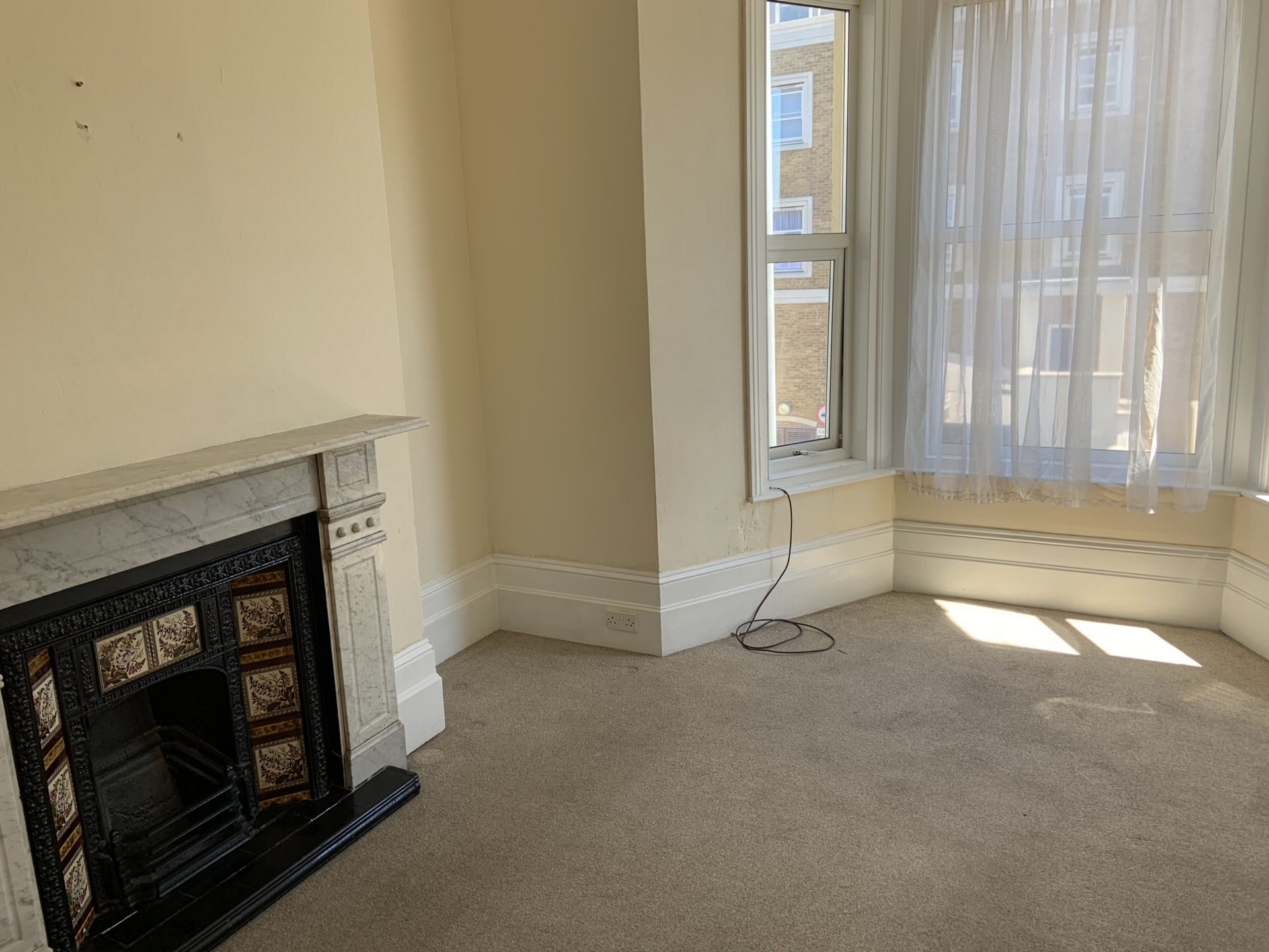2 bed flat to rent in Sweyn Road, Cliftonville 1