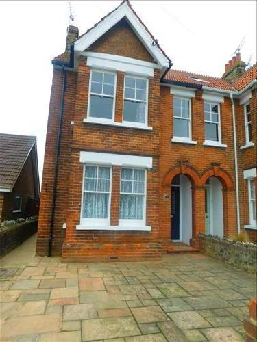 4 bed house to rent in Epple Bay Road, Birchington, CT7